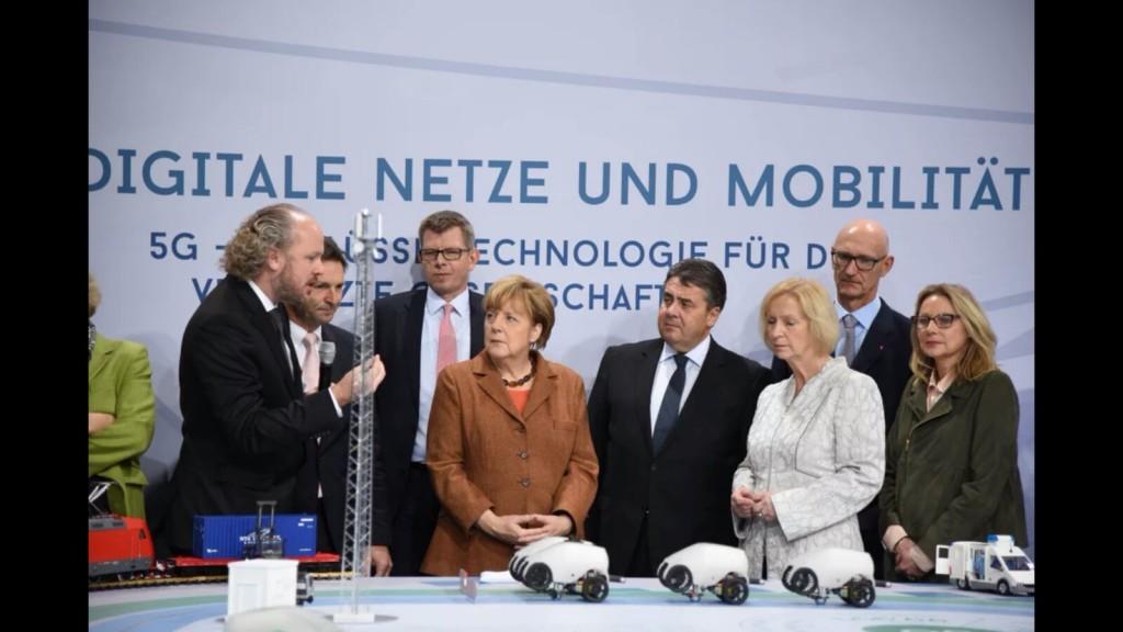 IT-Gipfel 2015_Fitzek-Merkel