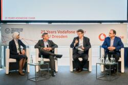 114 20190930 25years vodafone chair 092