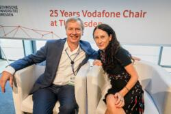 126 20190930 25years vodafone chair 154